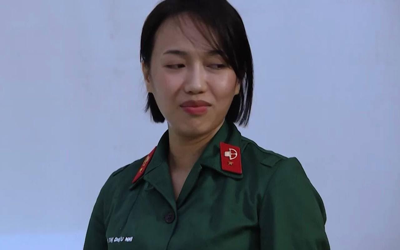 """Tự nhận """"tông điếc"""" nhưng Diệu Nhi vẫn muốn giành giải nhất khi thi hát trong quân đội"""