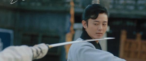 Kim So Hyun đúng chuẩn công chúa chiến binh, mặt bê bết máu ở bom tấn sử thi với Ji Soo - Ảnh 4.