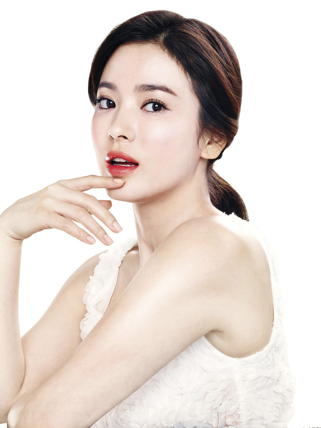 Không phải Song Joong Ki hay Hyun Bin, mỹ nam lai hai dòng máu này mới là người từng khiến Song Hye Kyo phải thốt lên 4 từ: Hình mẫu lý tưởng - ảnh 1