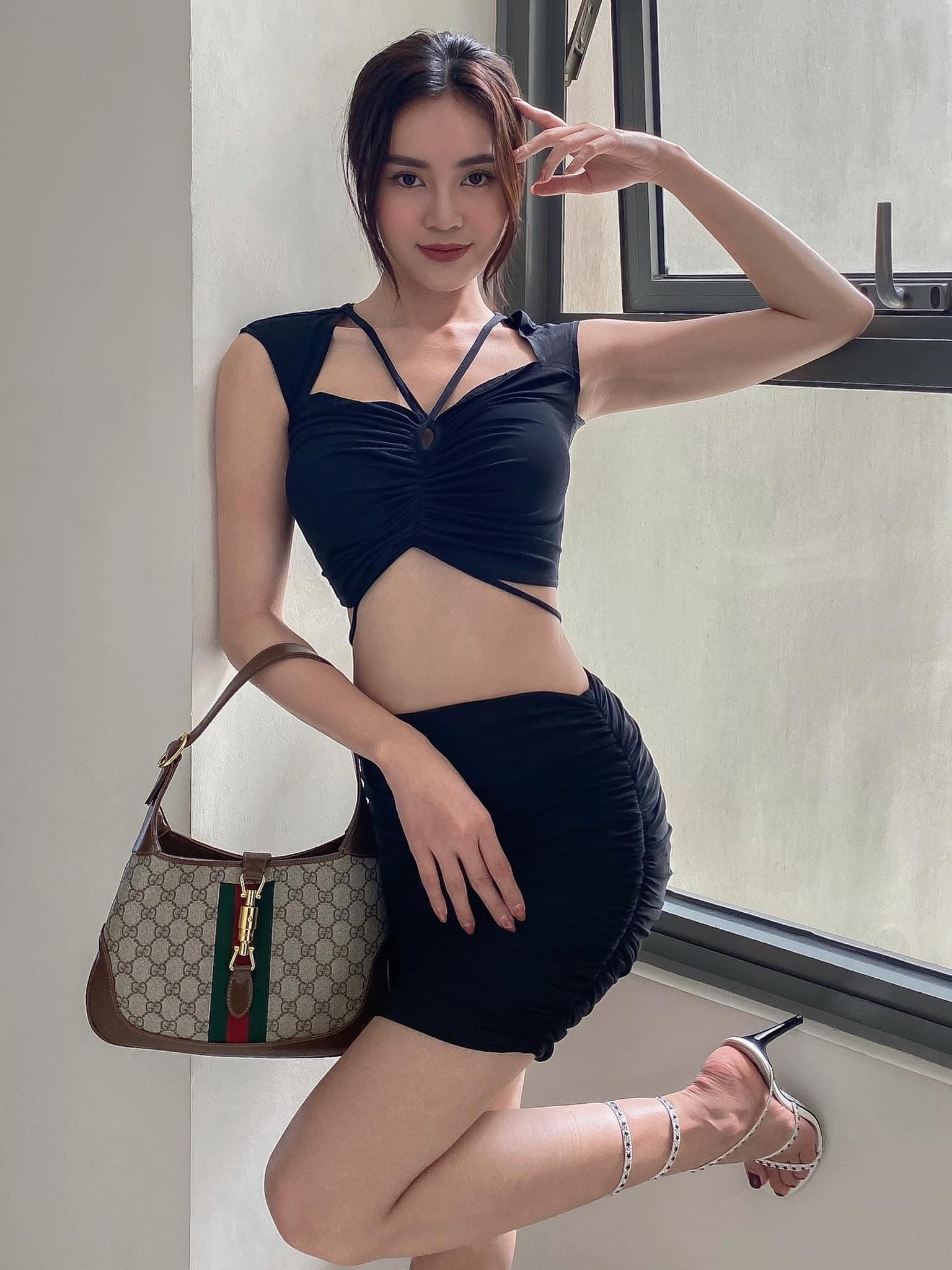Instagram look của sao Việt tuần qua: Đại hội khoe eo của Thiều Bảo Trâm, Chi Pu, Lan Ngọc - Ảnh 3.