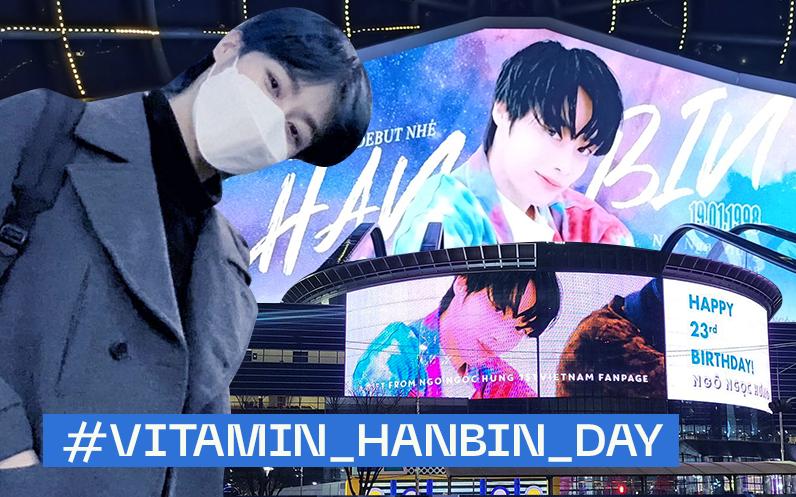 Hanbin chụp hình với bảng LED mừng sinh nhật tại Hàn Quốc, cảm ơn fan nhưng còn tận 71 cái đang chờ được check-in kia kìa!