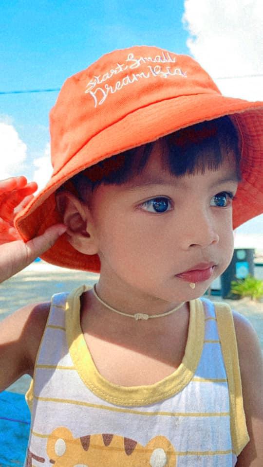 Em bé sơ sinh nổi rần rần trên mạng xã hội vì vẻ đẹp không góc chết từ khi mới chào đời, 3 năm sau dung mạo ấy vẫn khiến dân mạng xao xuyến - Ảnh 13.