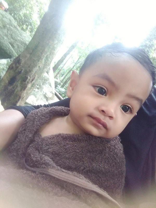 Em bé sơ sinh nổi rần rần trên mạng xã hội vì vẻ đẹp không góc chết từ khi mới chào đời, 3 năm sau dung mạo ấy vẫn khiến dân mạng xao xuyến - Ảnh 8.