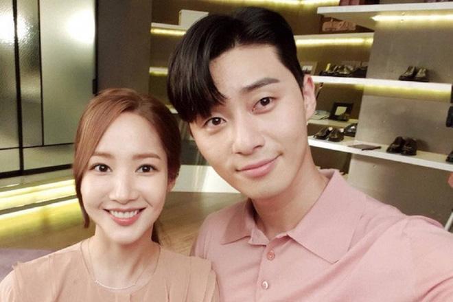 Chỉ từ 2 bài đăng, Knet chắc mẩm Park Seo Joon - Park Min Young đang hẹn hò: Hyun Bin - Son Ye Jin thứ hai hay gì? - ảnh 3