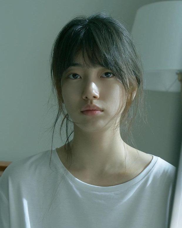 Suzy tung vlog mới, dân tình chỉ dán mắt vào gương mặt không son phấn đỉnh cao: Bảo sao được gọi là thánh mặt mộc - ảnh 6