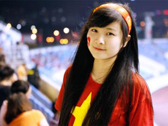 Nữ sinh khóc nức nở khi đội tuyển Việt Nam thua trận, ai ngờ khoảnh khắc chụp lén lại thay đổi cuộc đời ngoạn mục - ảnh 4
