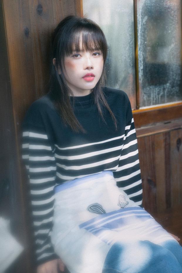 Netizen tràn vào MV của Thiều Bảo Trâm sau khi Sơn Tùng unfollow: Đến cuối cùng khi chia tay, 1 cái danh phận cũng không có - ảnh 1