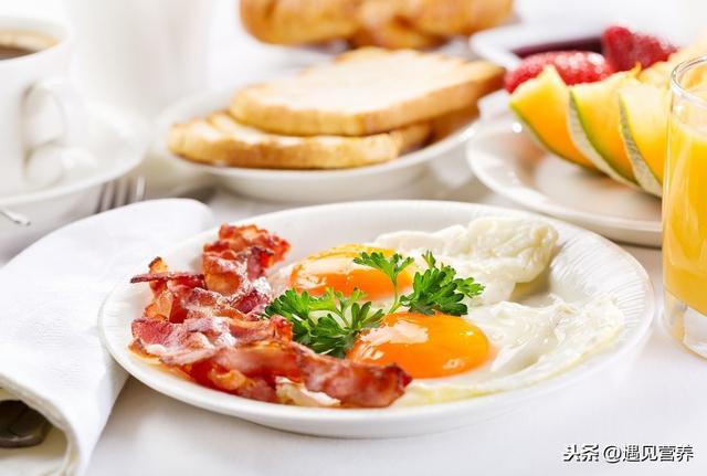 3 thói quen ăn sáng làm tổn thương dạ dày nghiêm trọng nhất, hơn nữa còn ảnh hưởng đến sức khỏe, khó hấp thụ dinh dưỡng - ảnh 1