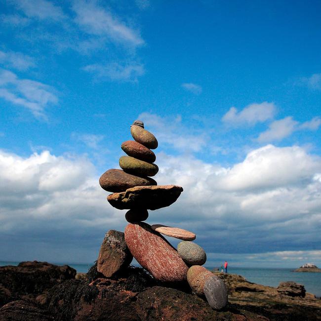 Nghệ thuật xếp đá thăng bằng: Phía sau trào lưu nghệ thuật tinh tế là hiểm họa to lớn không ai ngờ, càng không dễ dàng nhìn thấy ngay - ảnh 3