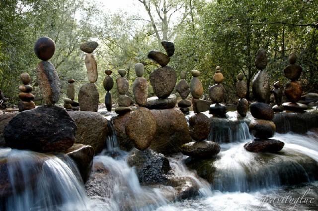 Nghệ thuật xếp đá thăng bằng: Phía sau trào lưu nghệ thuật tinh tế là hiểm họa to lớn không ai ngờ, càng không dễ dàng nhìn thấy ngay - ảnh 7