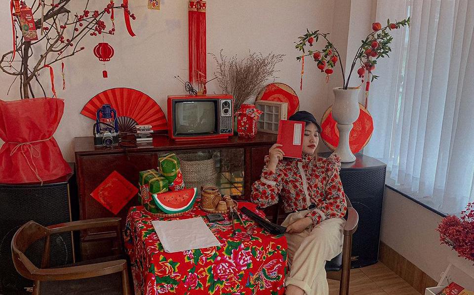 """Tết này Sài Gòn có 7 quán cà phê trang trí siêu """"xịn sò"""" hứa hẹn sẽ """"vỡ trận check-in"""", nhanh nhanh ghé qua làm bộ ảnh năm mới nào"""