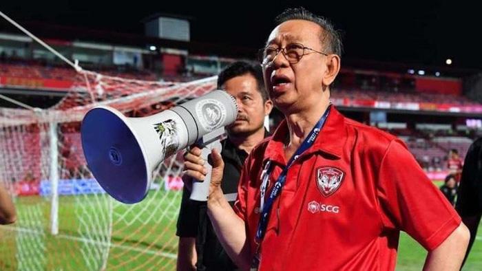 Văn Lâm bị kiện lên FIFA, chủ tịch Muangthong United giận dữ: Tất cả là do cậu ta - Ảnh 1.