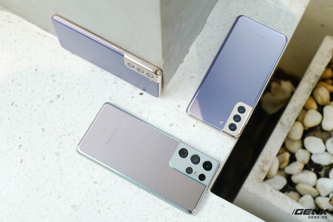 Mở hộp bộ ba Galaxy S21: Từ hộp đến máy mọi thứ đều mỏng gọn, S21 Ultra có màu Bạc Ngẫu Hứng rất đẹp - ảnh 16