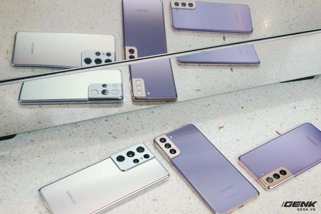 Mở hộp bộ ba Galaxy S21: Từ hộp đến máy mọi thứ đều mỏng gọn, S21 Ultra có màu Bạc Ngẫu Hứng rất đẹp - ảnh 26
