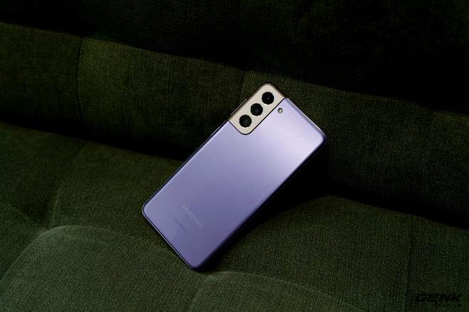Mở hộp bộ ba Galaxy S21: Từ hộp đến máy mọi thứ đều mỏng gọn, S21 Ultra có màu Bạc Ngẫu Hứng rất đẹp - ảnh 29