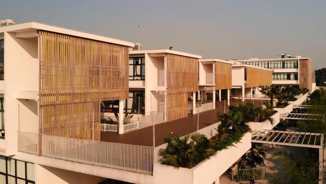 Hải Tú từng theo học trường quốc tế có view đẹp nhất nhì nước, nhìn bảng học phí là biết độ giàu có cỡ nào - ảnh 4