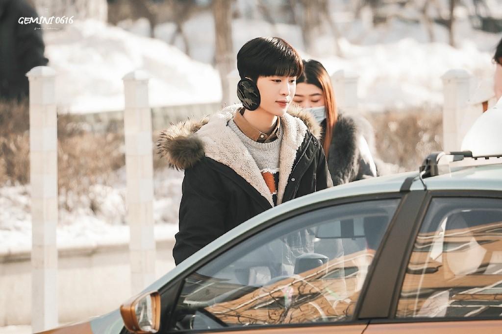 Bị đồn dẫn bạn gái lên phim trường đam mỹ, em trai Phạm Băng Băng lập tức đáp trả trấn an fan - Ảnh 6.