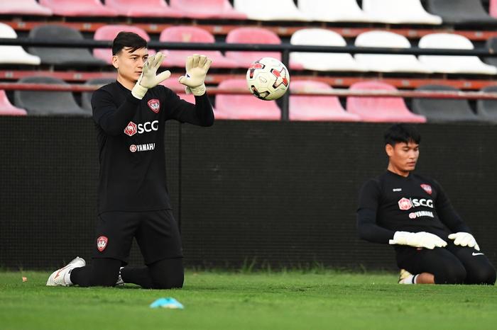Cerezo Osaka sắp công bố hợp đồng với Văn Lâm dù Muangthong khởi kiện lên FIFA - Ảnh 2.