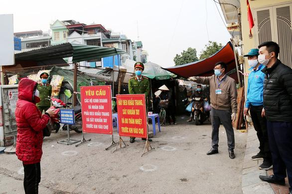 Phong tỏa thêm khu phố tại Hạ Long vì xuất hiện ca nghi nhiễm COVID-19 - Ảnh 1.