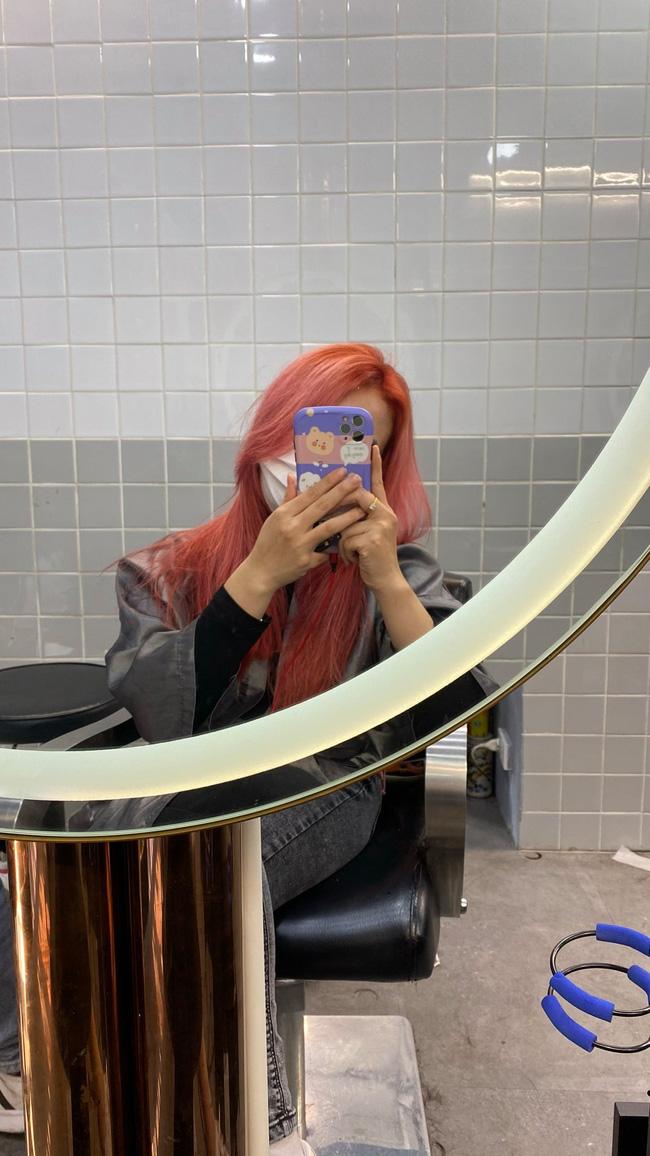 Đi nhuộm tóc giá 3,5 triệu tại một Salon có tiếng, cô nàng này nhận lại được mái tóc xơ nhũn và sự ức chế vô cùng - Ảnh 3.
