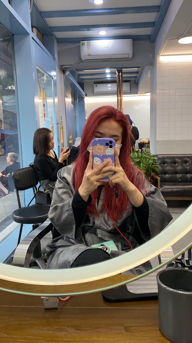 Đi nhuộm tóc giá 3,5 triệu tại một Salon có tiếng, cô nàng này nhận lại được mái tóc xơ nhũn và sự ức chế vô cùng - Ảnh 4.