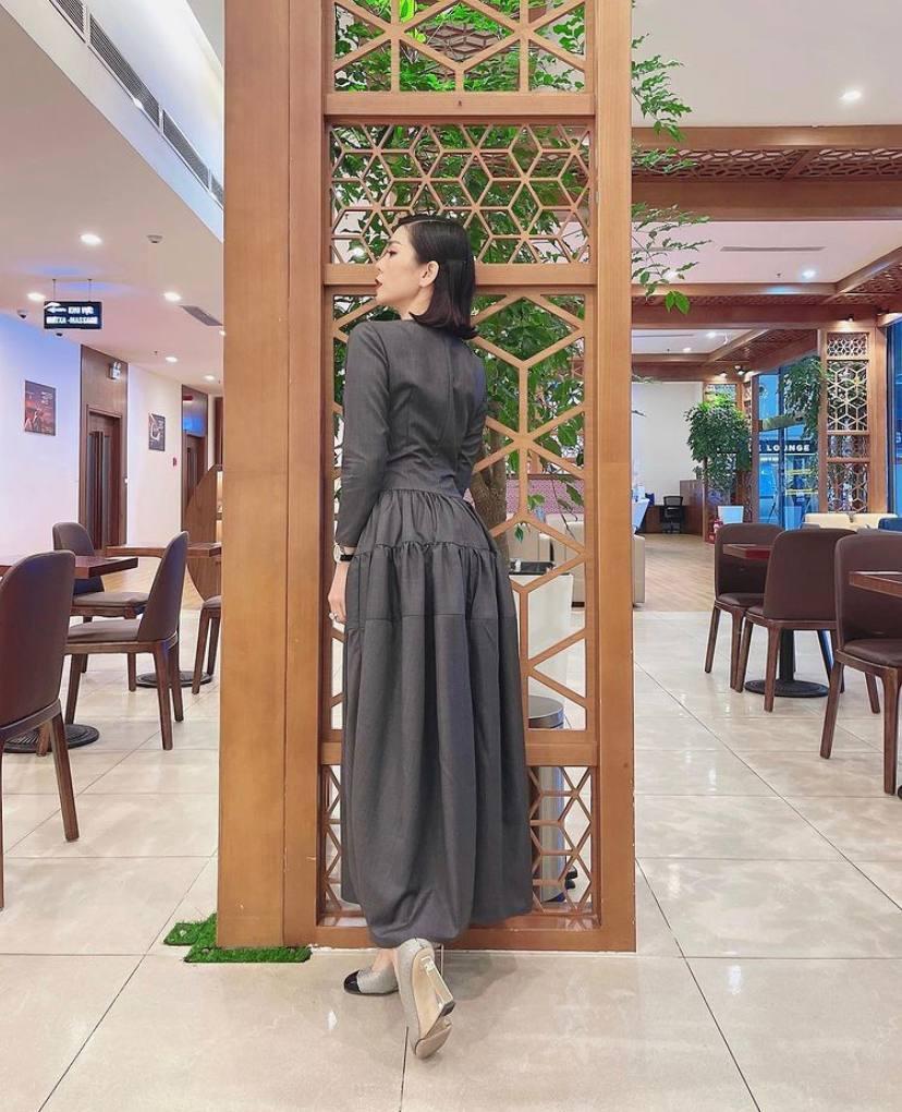 Có lẽ Lệ Quyên nên trung thành với phong cách sexy chứ đừng làm mới mình với kiểu váy hỏi chấm thế này! - Ảnh 4.
