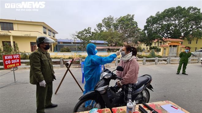 Dịch Covid-19 ngày 30/1: Thêm 34 ca nhiễm mới, 2 cụm dịch hình thành ở Quảng Ninh - Ảnh 2.