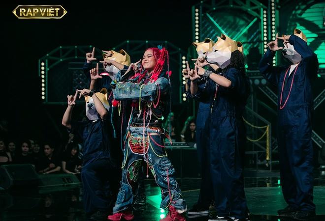"""Tlinh - Từ cô nàng """"chân ướt chân ráo bước vào thế giới rap đến """"Queen Of Rap"""" thế hệ mới - Ảnh 5."""