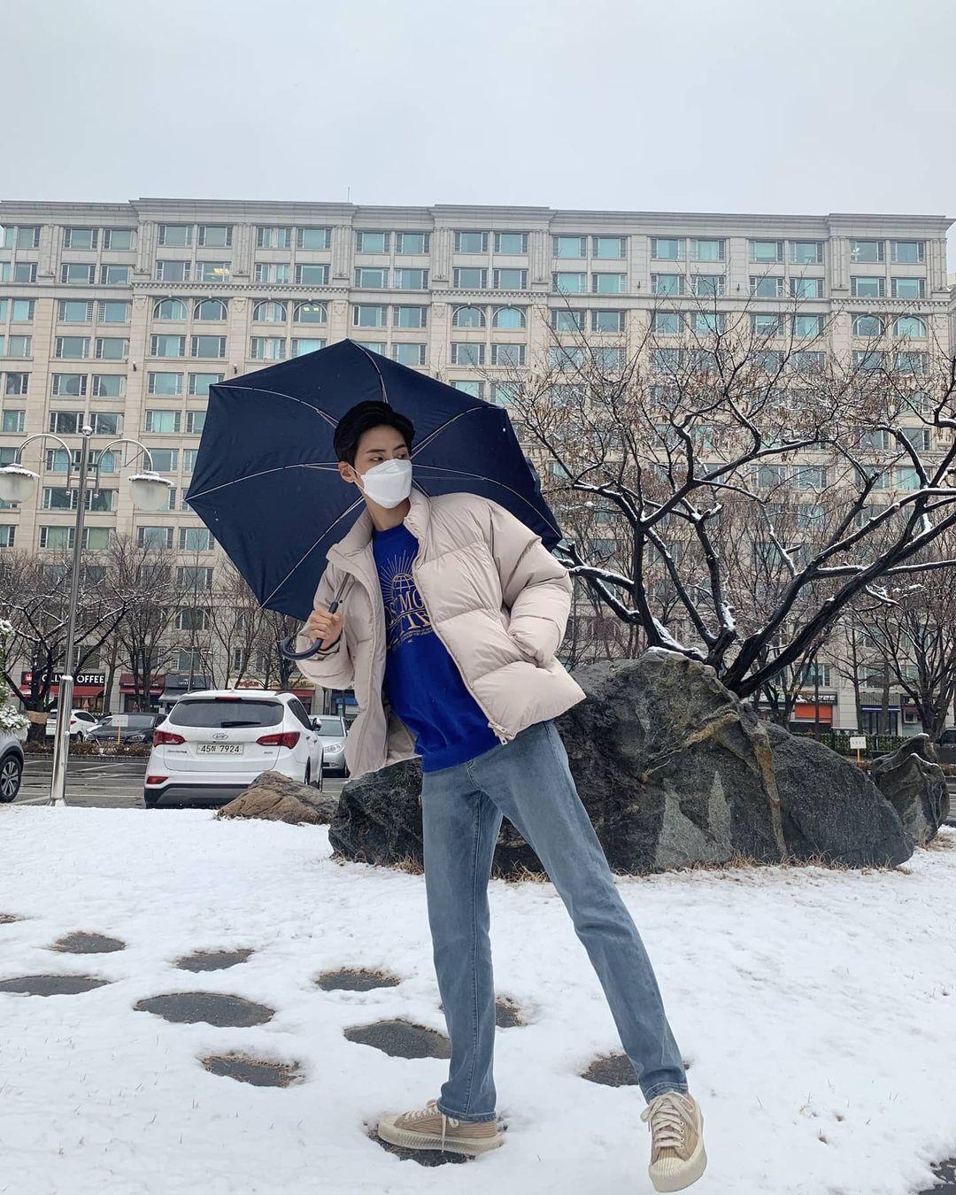 Sao Hàn mặc gì ngày đại hàn: Đỉnh cao mặc đẹp là khi diện toàn đồ dày sụ ấm áp mà vẫn tôn dáng đỉnh cao - Ảnh 13.