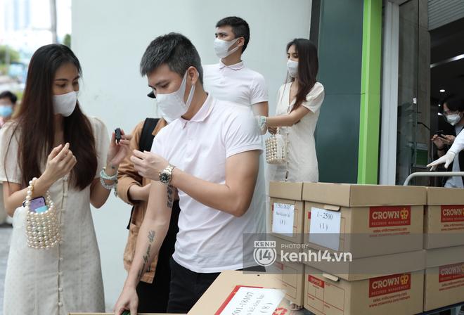 Cuộc chiến giữa bà Phương Hằng với showbiz Việt: Loạt sao hạng A bị réo tên, công an vào cuộc, liệu đã đến hồi kết? - Ảnh 21.