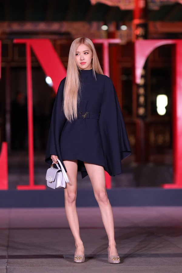 3 kiểu body idol Kpop khiến fan tranh cãi xem đâu mới là đỉnh chóp nhất: Họ mặc gì giúp tôn dáng? - Ảnh 3.