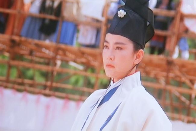 Đây chính là mỹ nhân giả trai đỉnh nhất màn ảnh Hoa ngữ, visual chuẩn soái ca khiến phụ nữ cũng phải mê mẩn - ảnh 6