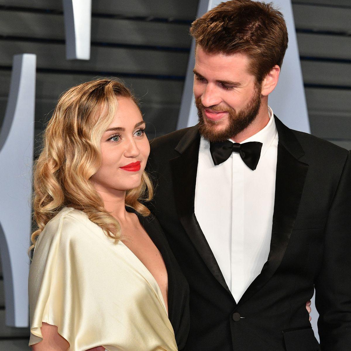 Bạn gái Liam Hemsworth diện bikini khoe body đẹp nức nở, nhưng dân tình lại réo tên Miley Cyrus vì 1 điểm tương đồng - Ảnh 13.