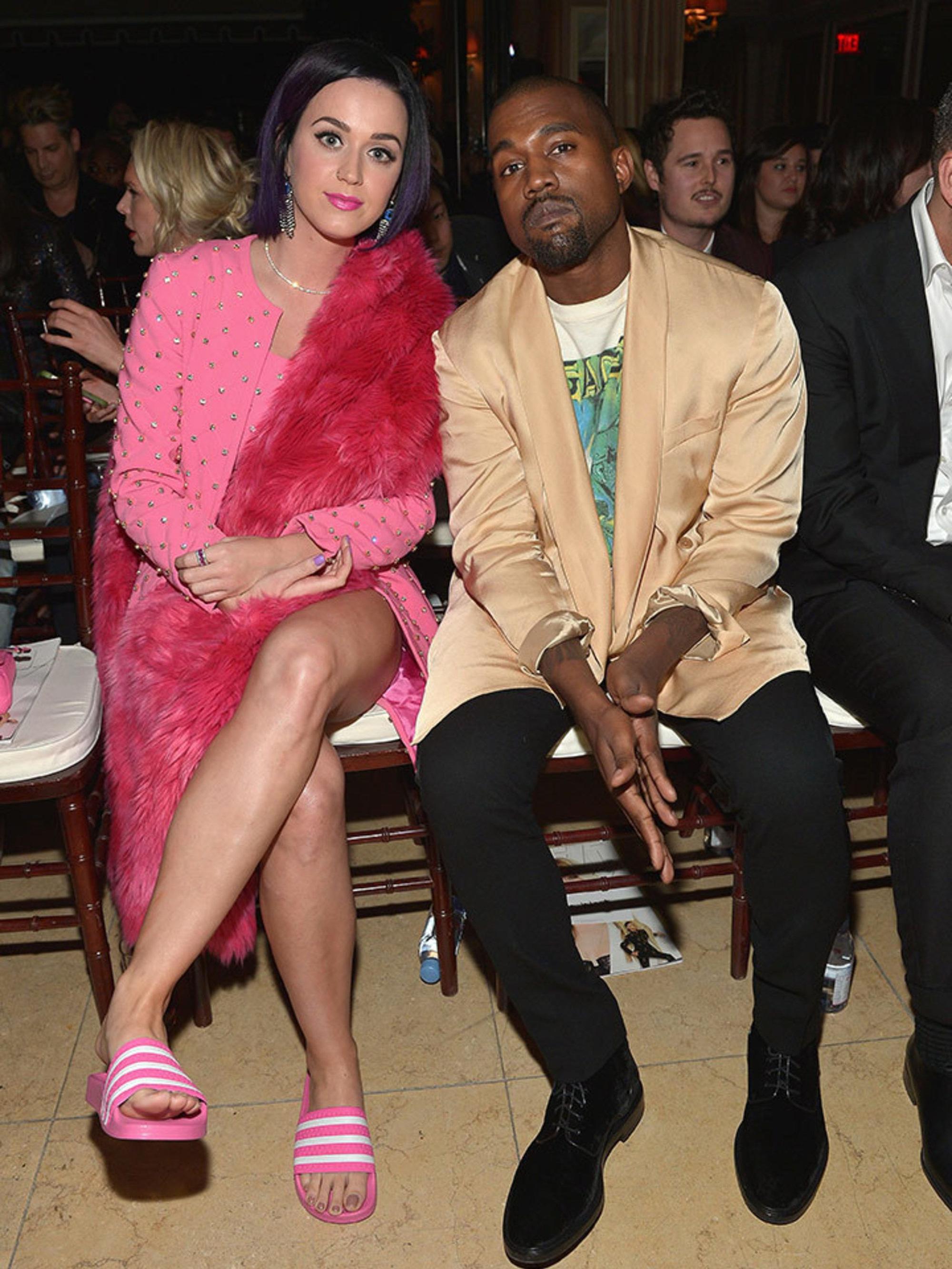 Khung hình quyền lực quy tụ toàn nhân vật máu mặt: Tỷ phú Rihanna và Kanye West chễm chệ, nhìn dàn sao ngồi cạnh mà choáng - Ảnh 6.