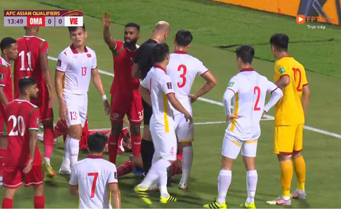 Tổng kết trận Việt Nam - Oman: Trọng tài cứ phải make it complicated thế nhở, tôi không thể nào enjoy cái moment này được?! - ảnh 2