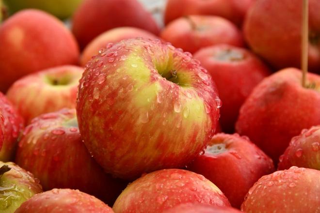 10 loại rau quả có chứa nhiều thuốc bảo vệ thực vật nhất lại toàn là món ngon thường xuyên xuất hiện trong bữa cơm của mỗi gia đình - ảnh 1