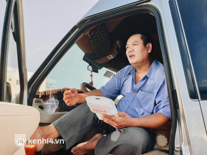 Diễn biến dịch ngày 13/10: Lãnh đạo Hà Nội nói gì về việc mở cửa và cho học sinh đi học trở lại?; Những tuyến tàu, xe nào hoạt động từ ngày 13/10? - Ảnh 2.