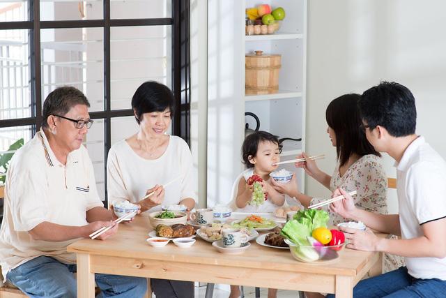 5 loại thực phẩm tốt cho sức khỏe khi thời tiết chuyển mùa: Biết cách ăn thông minh giúp người Việt tránh được nhiều phiền toái, bệnh tật - ảnh 1