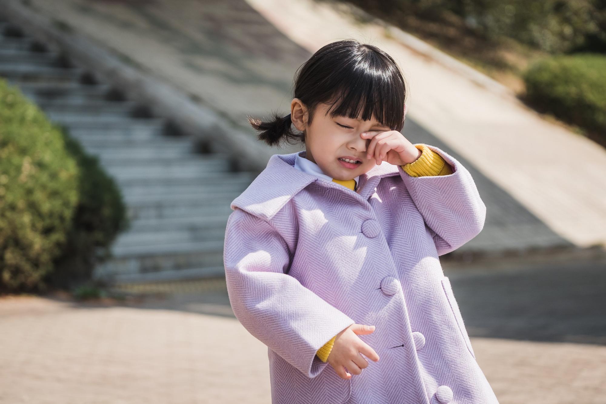 Màn giả gái đỉnh nhất phim Hàn thuộc về sao nhí 5 tuổi: Bản sao của đại mỹ nhân, hết phim vẫn không ai biết giới tính thật - Ảnh 1.