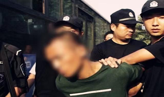 Ghen ngược với bạn trai của crush, gã đàn ông đã có vợ đâm tình địch 20 nhát dao chí mạng, hành động sau khi gây án khiến ai nấy lạnh người - ảnh 5