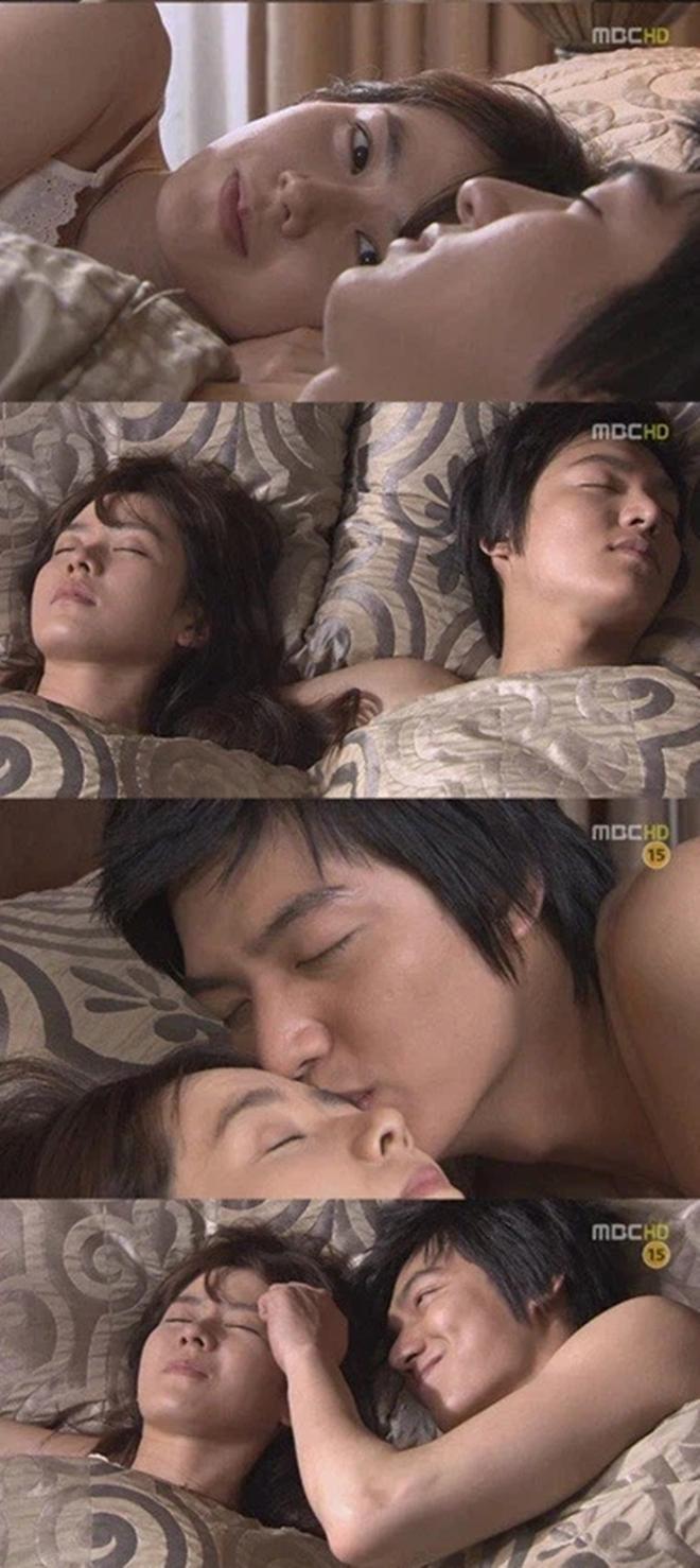 Son Ye Jin - Lee Min Ho từng có cảnh giường chiếu nóng bỏng mắt, Hyun Bin xem lại chắc tức phát điên - Ảnh 4.