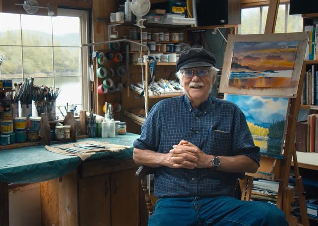 Ông lão mua một căn nhà rộng 70m2 trên mặt nước, sống nhàn nhã một mình hơn 30 năm: 'Không bị vật chất bó buộc, thế giới tinh thần trở nên phong phú hơn!' - ảnh 1