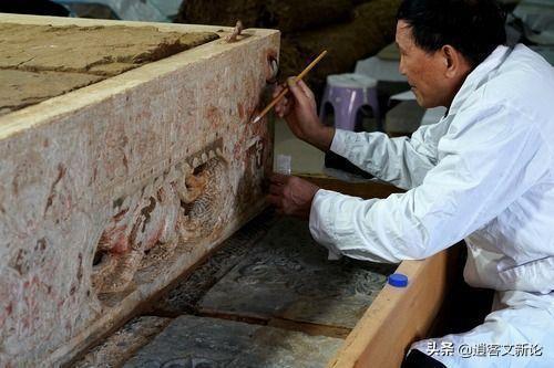 17 mảnh ván được đào từ mộ cổ và bị ném thẳng vào nhà kho, 28 năm sau, chuyên gia nhận định: 'Sai lầm không thể dung thứ' - ảnh 1