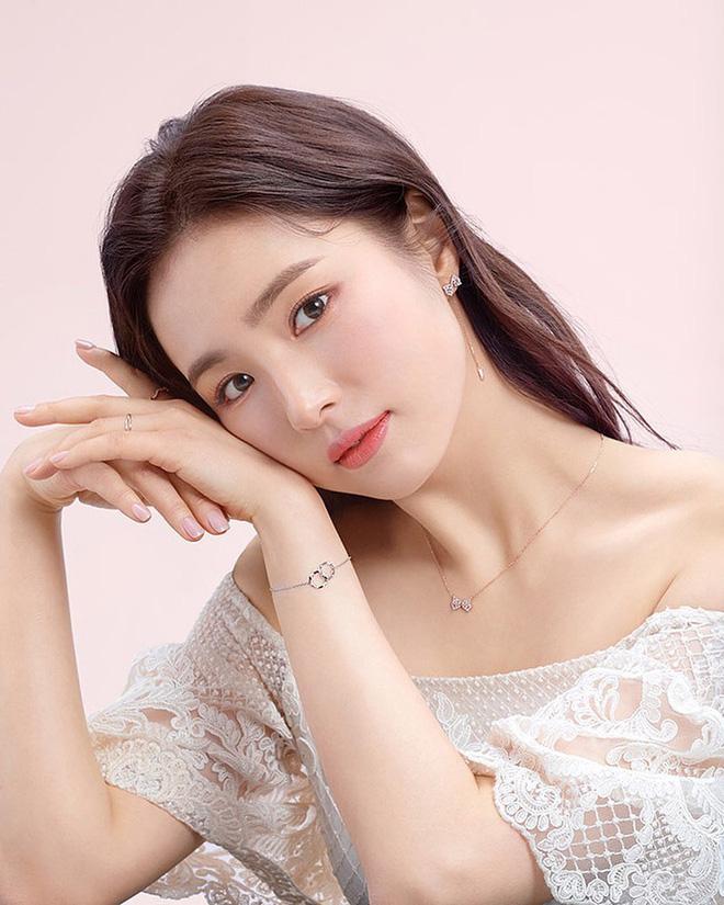 Thánh mặt đơ Shin Se Kyung hóa ra lại là mỹ nữ mê cởi, tuyên bố vô tư đóng cảnh nóng không cần đóng thế - ảnh 1