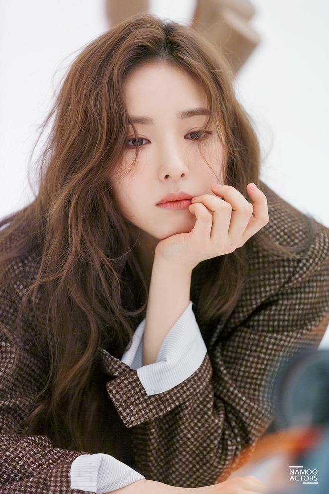 Thánh mặt đơ Shin Se Kyung hóa ra lại là mỹ nữ mê cởi, tuyên bố vô tư đóng cảnh nóng không cần đóng thế - ảnh 2