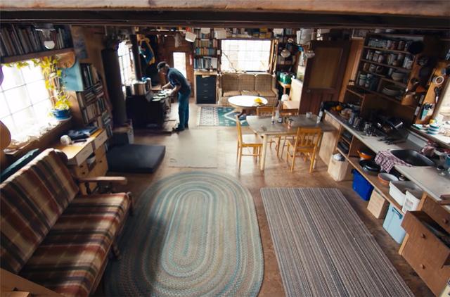 Ông lão mua một căn nhà rộng 70m2 trên mặt nước, sống nhàn nhã một mình hơn 30 năm: 'Không bị vật chất bó buộc, thế giới tinh thần trở nên phong phú hơn!' - ảnh 20