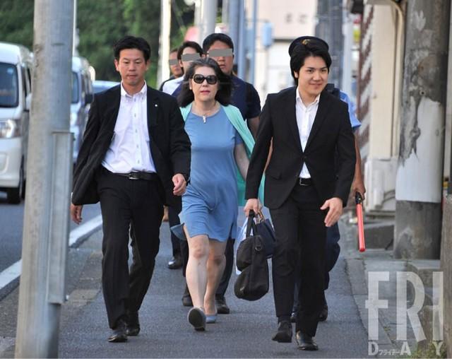 Bê bối liên tiếp bủa vây vị hôn phu của Công chúa Nhật Bản, hé lộ chân dung người mẹ chồng bị dư luận lên án - ảnh 4