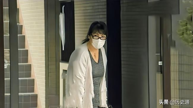 Bê bối liên tiếp bủa vây vị hôn phu của Công chúa Nhật Bản, hé lộ chân dung người mẹ chồng bị dư luận lên án - ảnh 5