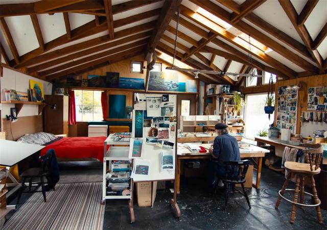 Ông lão mua một căn nhà rộng 70m2 trên mặt nước, sống nhàn nhã một mình hơn 30 năm: 'Không bị vật chất bó buộc, thế giới tinh thần trở nên phong phú hơn!' - ảnh 44