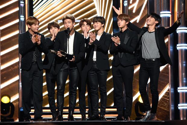 Tìm ra idol có sự nghiệp ấn tượng nhất lịch sử Kpop: 17 tuổi ra mắt, 3 năm sau có luôn Daesang, mới 24 tuổi đã được đề cử Grammy - ảnh 7
